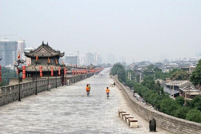 китайская стена город Сиань 3 (670x448, 197Kb)
