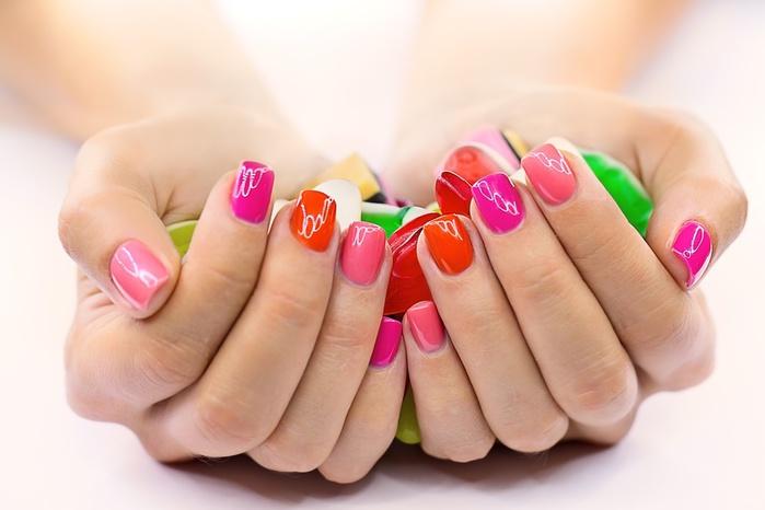 nail_paint_01 (700x466, 73Kb)