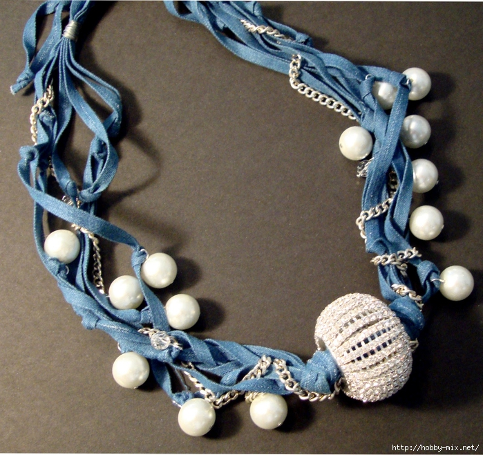 Denim & Pearls necklace (700x658, 412Kb)