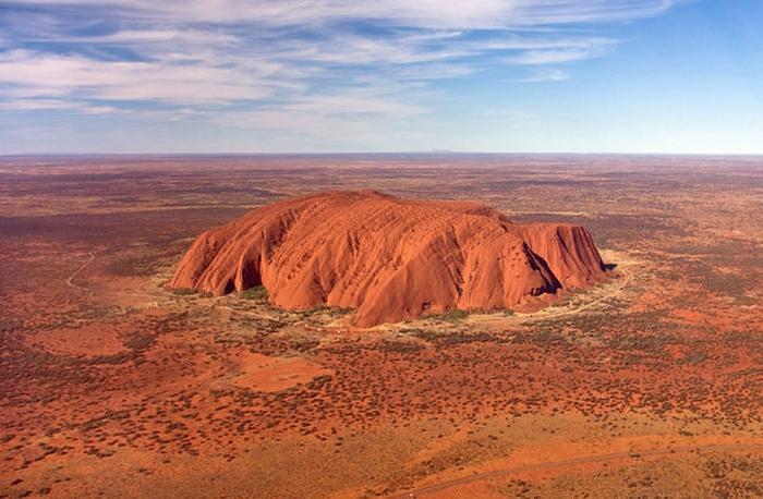 скала улуру австралия фото 1 (700x458, 374Kb)