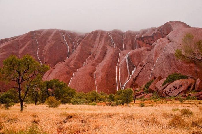 скала улуру австралия фото 7 (700x464, 363Kb)