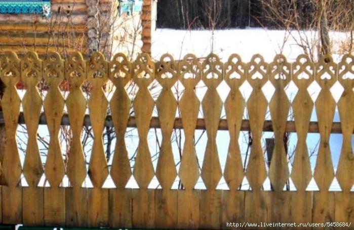 Резной забор своими рукам из дерева
