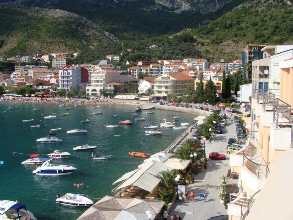 Квартиры и недвижимость в Черногории (2) (580x435, 280Kb)