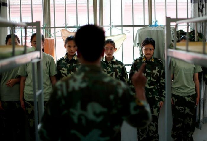 лагеря для интернет-зависимых детей в китае 5 (700x477, 284Kb)