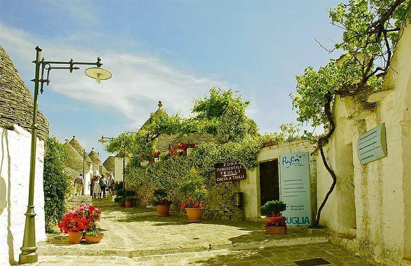 итальянский-город-Альберобелло-фото-2 (700x487, 280Kb)