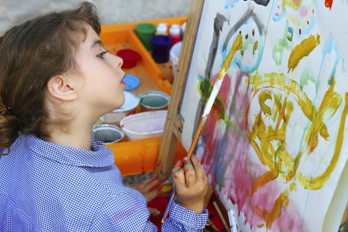 что рисуют дети/3185107_chto_risyut_deti (700x466, 277Kb)