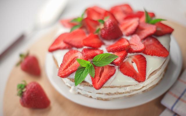 Рецепт клубничного торта от Бадди Валастро (640x400, 211Kb)