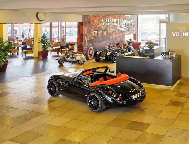 автомобильный отель V8 германия 2 (639x487, 214Kb)