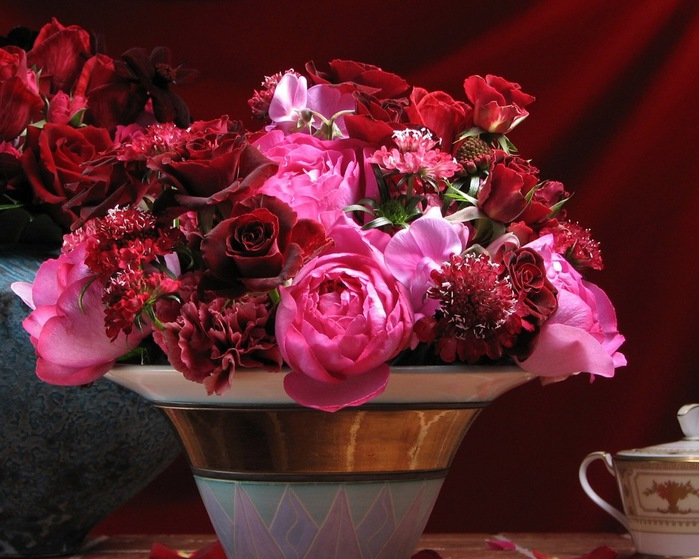 flowers_in_basket_23 (700x559, 120Kb)
