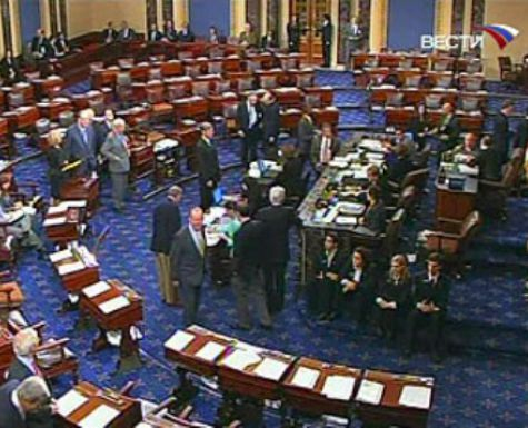 Сенат США проголосовал заантикризисный план