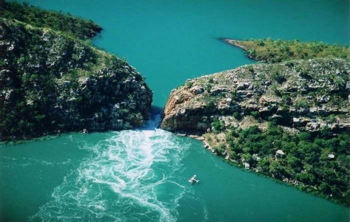 гориз. водопад 7 (700x445, 255Kb)