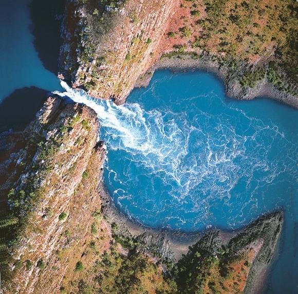 гориз. водопад 12 (580x573, 509Kb)