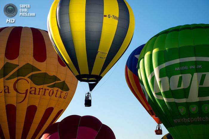 фестиваль воздушных шаров в испании фото 9 (700x466, 378Kb)