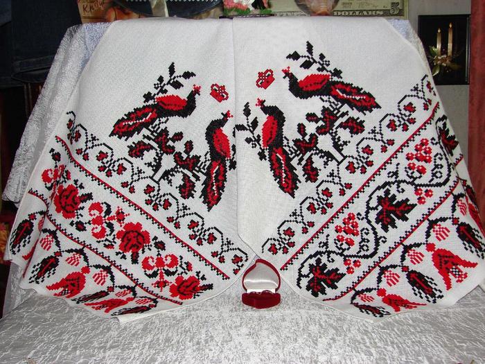 Украинские вышитые рушники и вышиванки (2) (700x525, 502Kb)