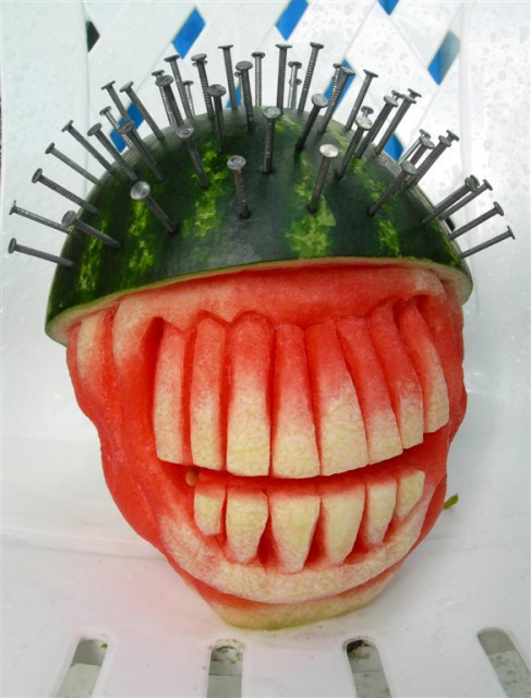1404634341_spikehead-watermelon-1 (487x640, 260Kb)