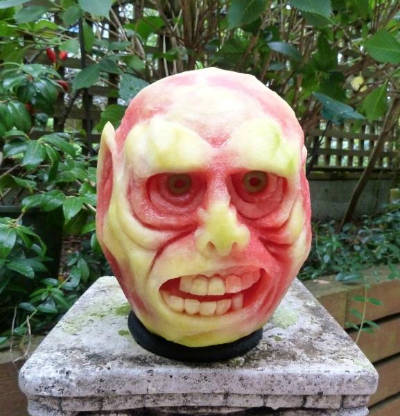 1404634376_scary-dude-watermelon (577x600, 405Kb)