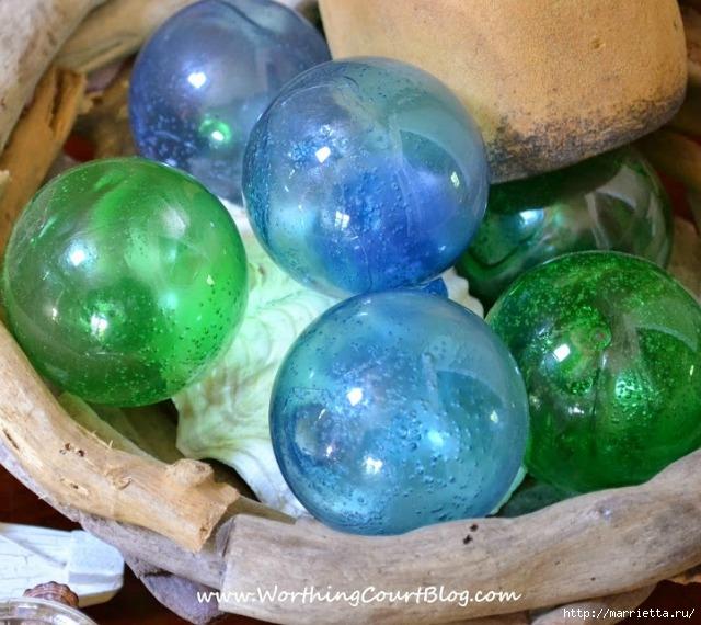 Елочные шары и стеклянные круглые вазочки для морского стиля в интерьере (5) (640x570, 235Kb)