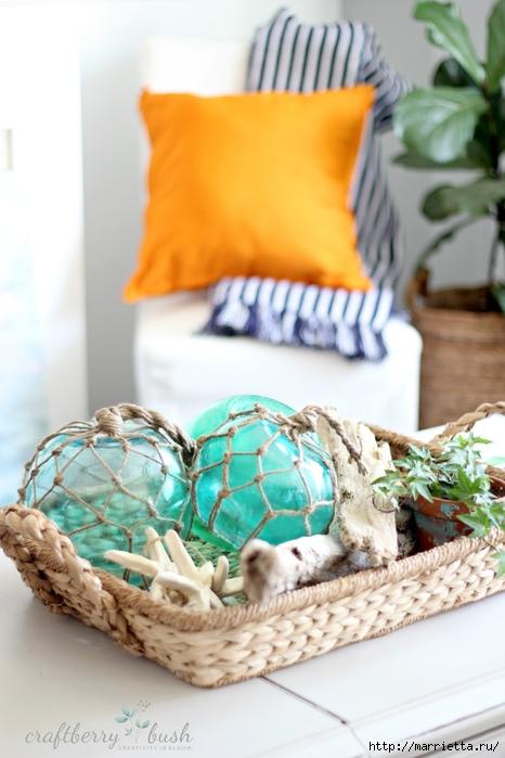 Елочные шары и стеклянные круглые вазочки для морского стиля в интерьере (14) (466x700, 217Kb)