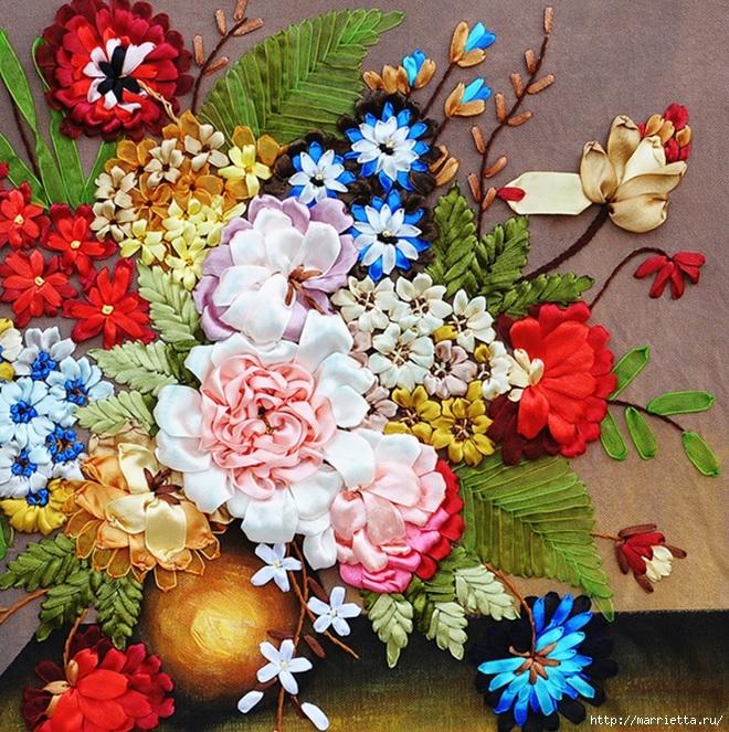 Вышивка лентами по декорированному холсту. Картины Натюрморты с цветами (16) (660x663, 436Kb)