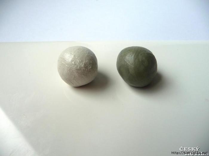 Лепка из холодного фарфора. Кулон и сережки со стразами (1) (700x525, 108Kb)