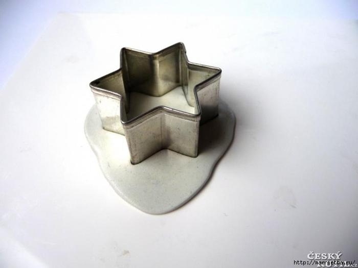 Лепка из холодного фарфора. Кулон и сережки со стразами (3) (700x525, 122Kb)