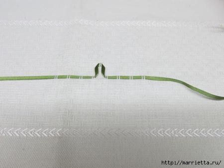Как украсить полотенце вышивкой лентами. 4 мастер-класса (4) (450x338, 75Kb)
