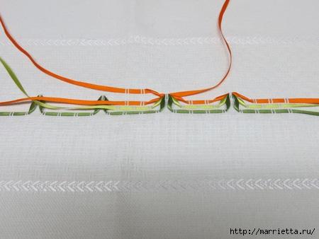 Как украсить полотенце вышивкой лентами. 4 мастер-класса (17) (450x338, 83Kb)
