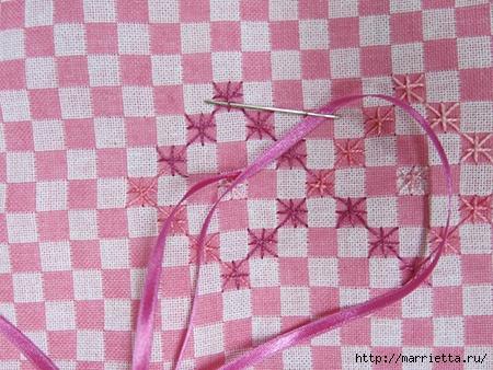 Как украсить полотенце вышивкой лентами. 4 мастер-класса (59) (450x338, 179Kb)