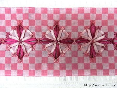 Как украсить полотенце вышивкой лентами. 4 мастер-класса (67) (450x338, 157Kb)