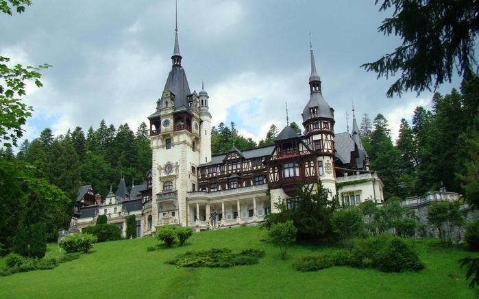 Замок Пелеш румыния фото 2 (700x437, 372Kb)