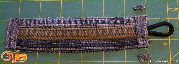 Браслет из джинсовых кромок (9) (700x251, 162Kb)