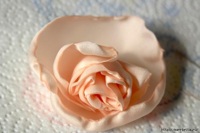 Ванильные розы из шелка. Мастер-класс (25) (650x433, 153Kb)