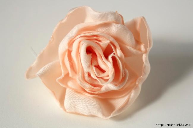 Ванильные розы из шелка. Мастер-класс (27) (650x433, 126Kb)