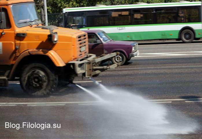 Поливочная машина в Москве/3241858_poliv (700x480, 55Kb)
