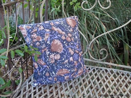 Подушка из джинсов для садовой скамейки (2) (510x383, 258Kb)