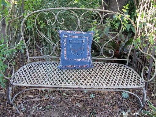 Подушка из джинсов для садовой скамейки (13) (510x383, 270Kb)