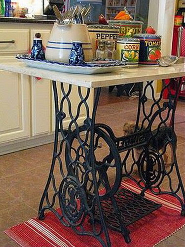 tables-ideas-of-repurpose-old-treadle-sewing-machine4-2 (375x500, 230Kb)