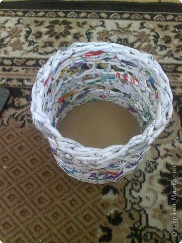 Хьюго Пьюго рукоделие, http://idi-k-nam.ru/, как сделать загибку для корзинки из газет, как сделать загибку из 5-ти трубочек.
