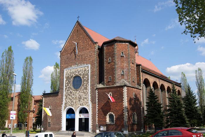 1280px-Our_Lady_of_Good_Counsel_Church,_35_Prosta_street,_Prokocim,_Krakow,_Poland (700x465, 446Kb)