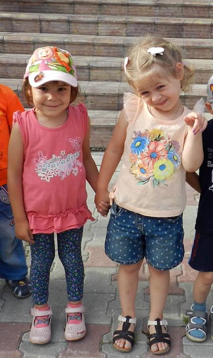 смешные фото с детьми, прикольные фото с детьми, фото симпатичных детей, праздник в детском саду, дети на празднике в детском саду,