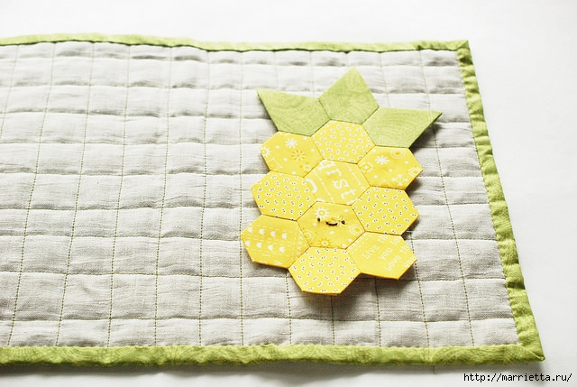 Стеганая салфетка с аппликацией ананаса. Лоскутное шитье (10) (640x429, 195Kb)