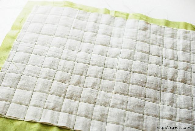Стеганая салфетка с аппликацией ананаса. Лоскутное шитье (18) (640x429, 212Kb)