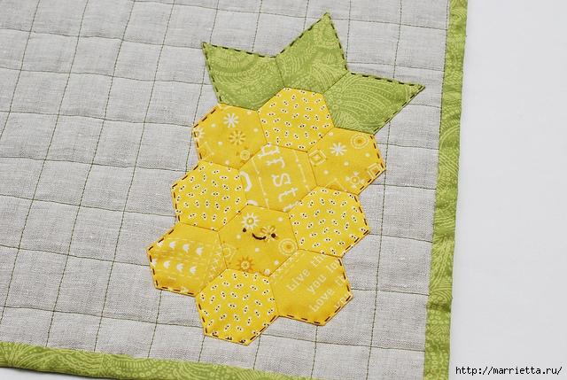 Стеганая салфетка с аппликацией ананаса. Лоскутное шитье (26) (640x429, 236Kb)
