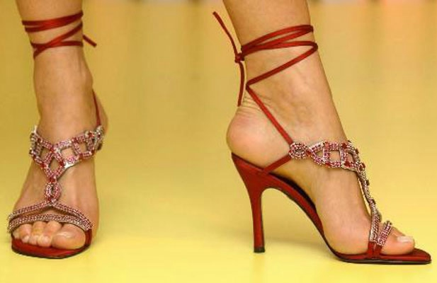 Diamond-Covered-Shoes-7 (617x400, 90Kb)