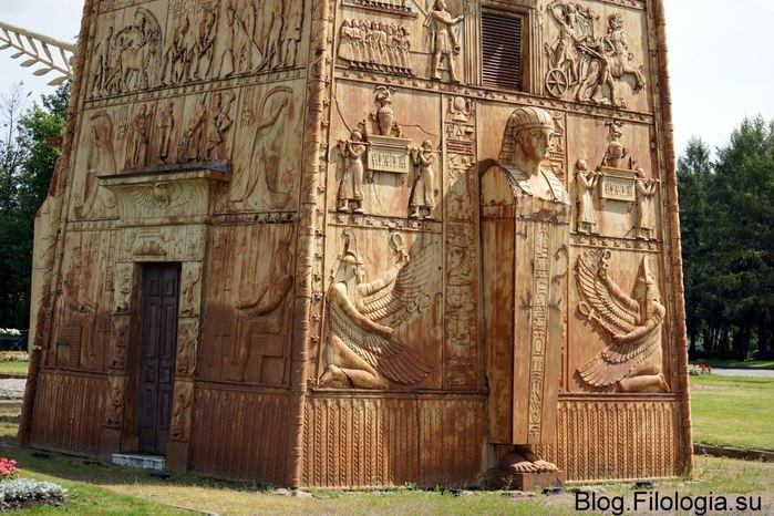 Египетские ворота крупным планом./3241858_vorota02 (700x466, 90Kb)