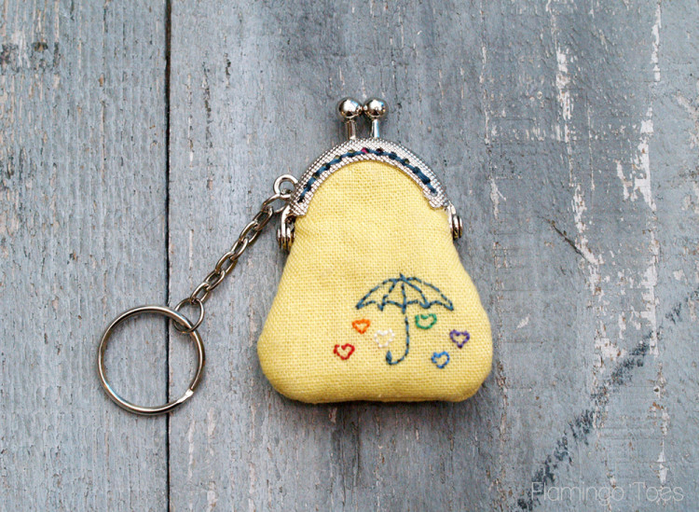 Embroidered-Key-Chain-Coin-Purse-750x549 (700x512, 524Kb)