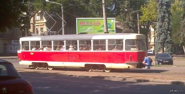 привоз трамвай (600x306, 50Kb)