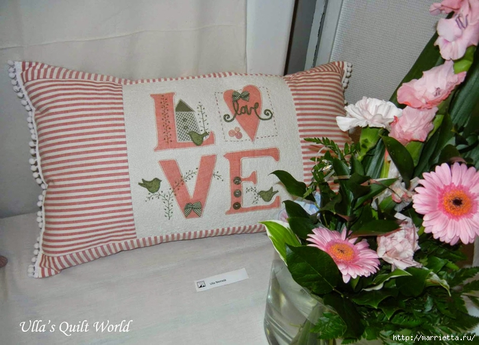 Любовные подушки с аппликацией (7) (700x503, 274Kb)
