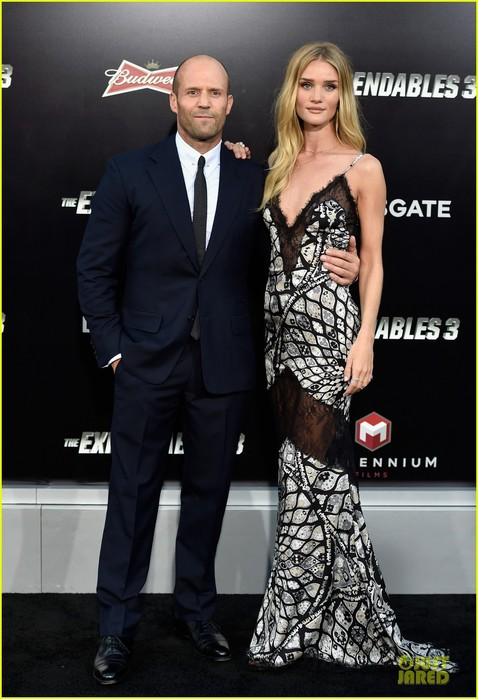 rosie-huntington-whiteley-jason-statham-expendables-3-premiere-01 (478x700, 83Kb)
