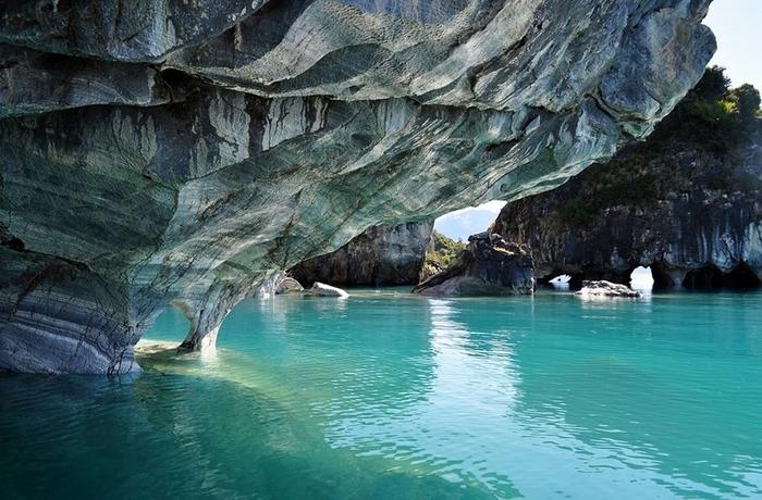 мраморные пещеры Чиле-Чико фото 1 (700x460, 371Kb)